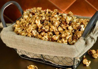 popcorn-bourbon-caramel-burlap